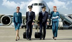 Uzbekistan Airways ходимларининг формаси 15 йил ичида кескин ўзгарди