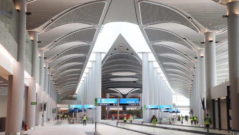 «Узбекские авиалинии» отменили ряд рейсов в Стамбул