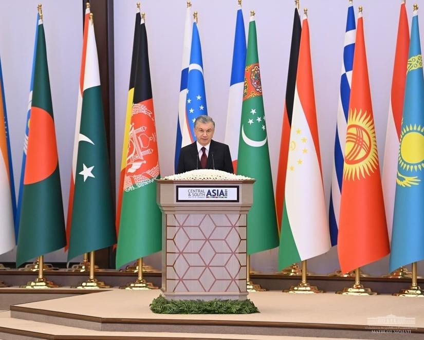 Выступление Президента Республики Узбекистан Шавката Мирзиёева на международной конференции «Центральная и Южная Азия: региональная взаимосвязанность. Вызовы и возможности»