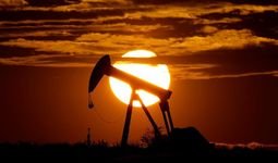 Котировки американской нефти впервые в истории достигли отрицательных значений