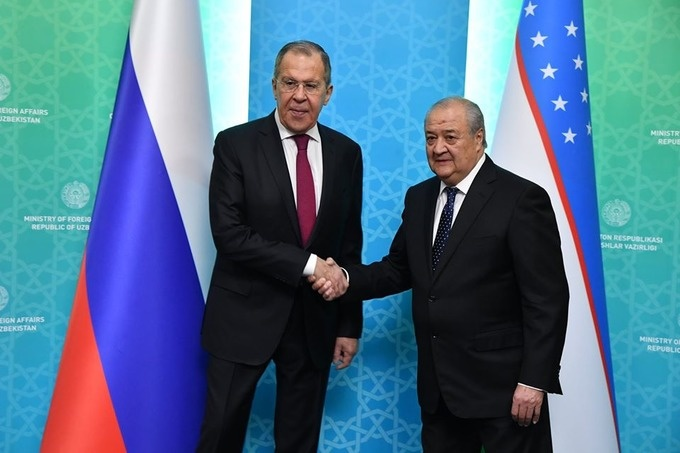 Госвизит Президента Узбекистана в Россию обсудили главы МИДов