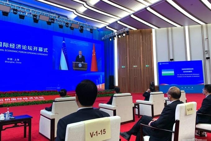 Президент Узбекистана выступил на открытии китайской выставки импортных товаров
