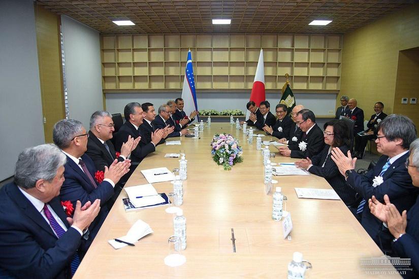 Shavkat Mirziyoyev Nagoya universitetiga tashrif buyurdi