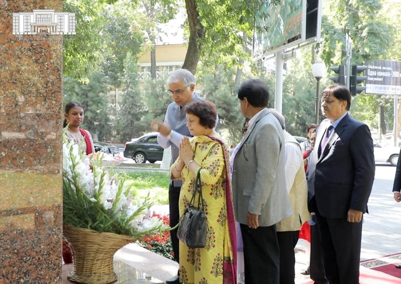 Сын Лала Баходира Шастри возглавил общество дружбы «Индия-Узбекистан»