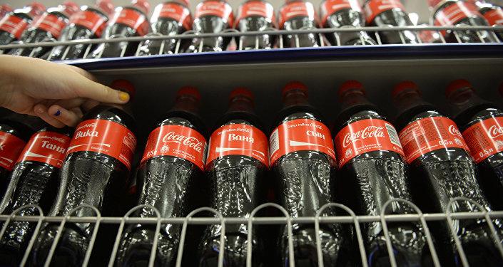 """Молия вазирлиги: """"Coca-cola"""" давлат улуши хусусий инвесторга сотилади"""