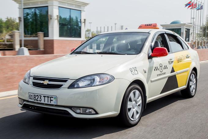 «Яндекс.Такси» отключил повышающий коэффициент