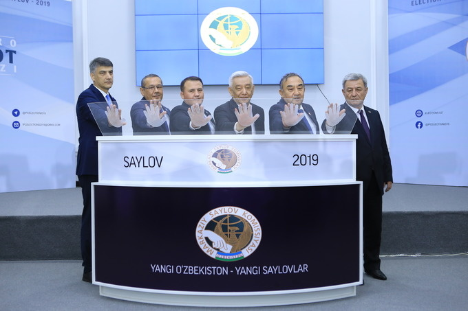 Миссия наблюдателей СНГ о выборах в парламент Узбекистана: избирательная кампания проходит в духе открытой конкуренции