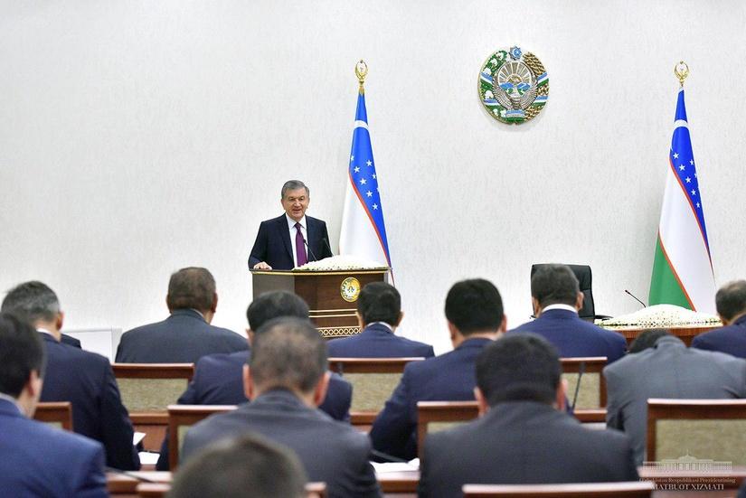 Президент Узбекистана провел совещание по вопросам ускорения реформ в стране
