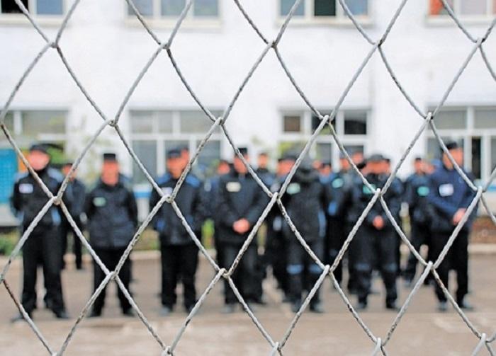 Президент Узбекистана помиловал 104 осужденных