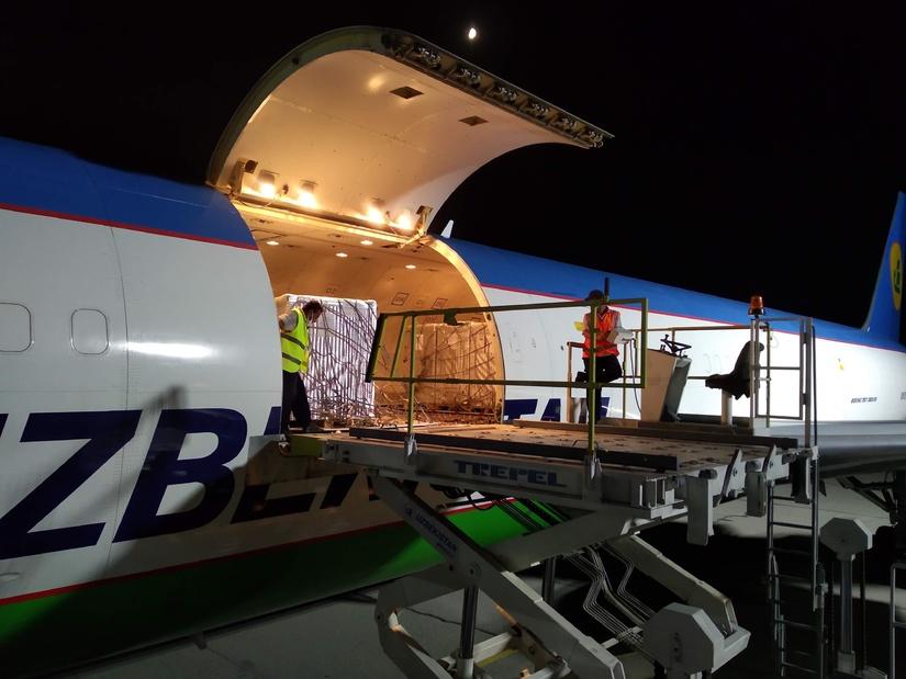 После многолетнего перерыва аэропорт Ферганы начал отправлять грузы за рубеж