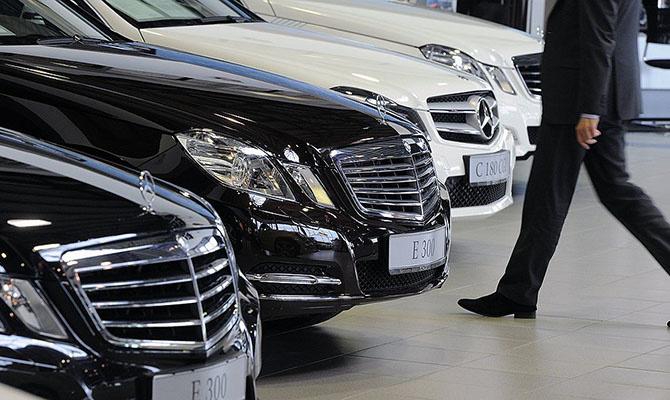 Ўзбекистонга хорижда ишлаб чиқарилган автомобилларни импорт қилиш кўпайди