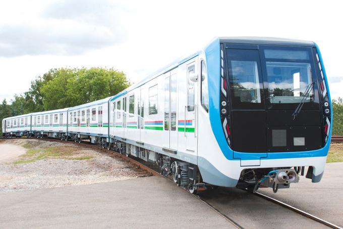 Российский «Метровагонмаш» отправил в Ташкент пять составов поездов метро