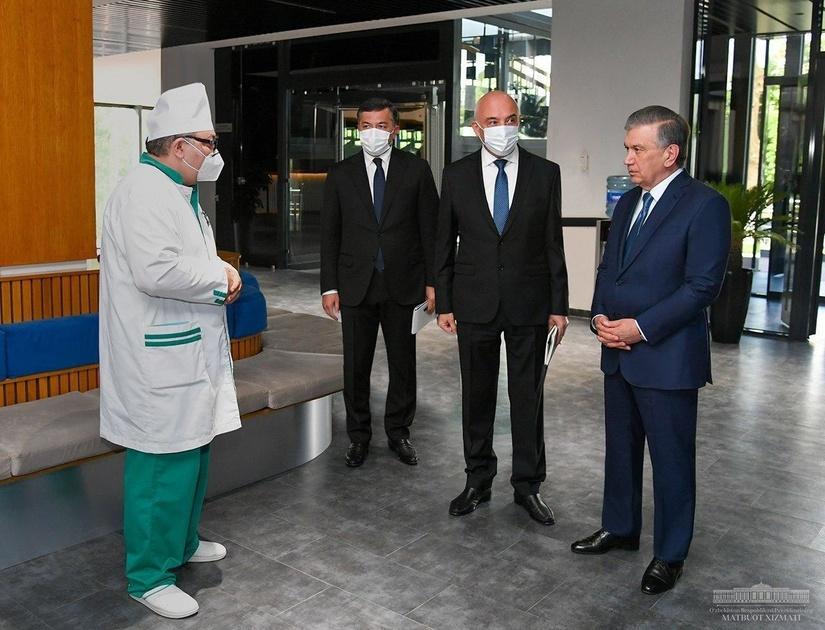 """Президент """"NANO Medical Clinic"""" кўп тармоқли шифохона фаолияти билан танишди (фото)"""
