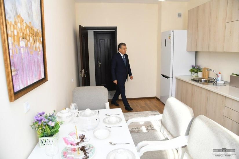 Шавкат Мирзиёев: Илмли одамлар - миллатимизнинг олтин фонди (фото)