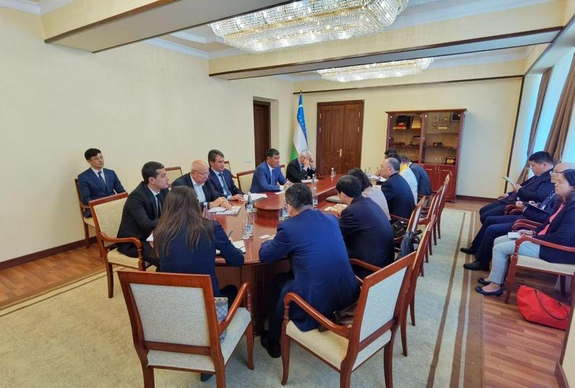 В Минтрансе обсудили ход реализации проекта железной дороги «Узбекистан-Кыргызстан-Китай»