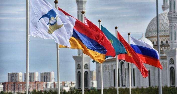 Иранские СМИ: Укрепление взаимоотношений Узбекистана с ЕАЭС в перспективе послужит основой для расширения кооперации с Ираном