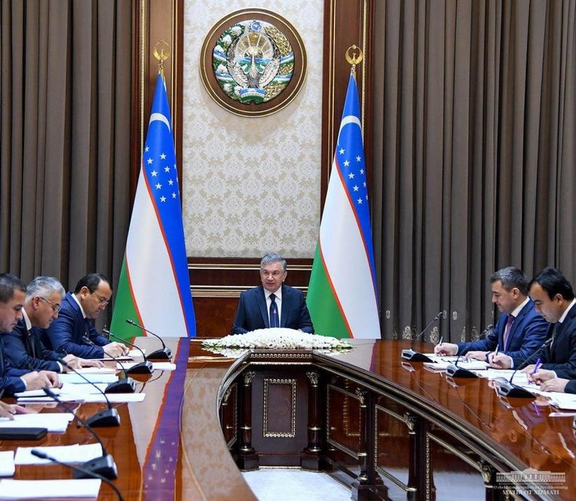 Президент провел совещание по вопросам развития промышленности и нефтегазовой продукции