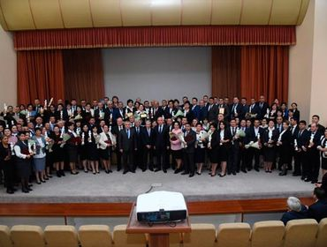 В Узбекистане определены лучшие врачи года