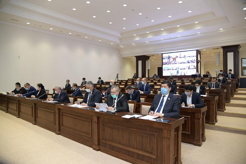 В Ташкенте начало свою работу третье пленарное заседание Сената Олий Мажлиса