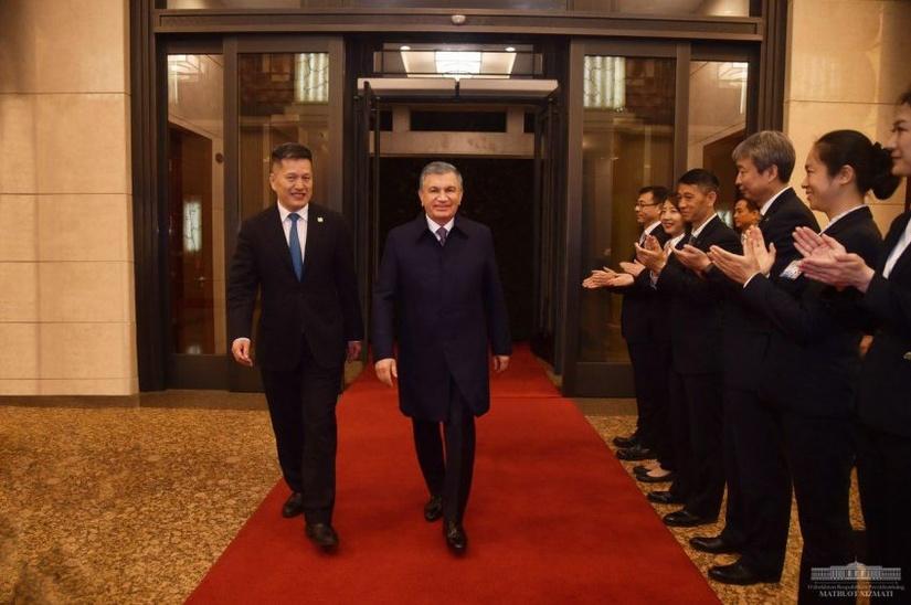 Президент Шавкат Мирзиёев прибыл в Пекин