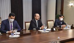 Казахстан предлагает еще 64 товарные позиции для экспорта на узбекский рынок. Это трубы, металлопрокат, автомобили, продукция нефтехимии