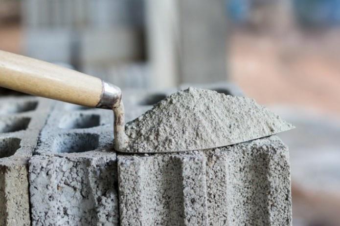 В Узбекистане досрочно сняли ограничение на импорт цемента
