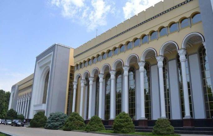 МИД Узбекистана рекомендовал отказаться от поездок в Китай