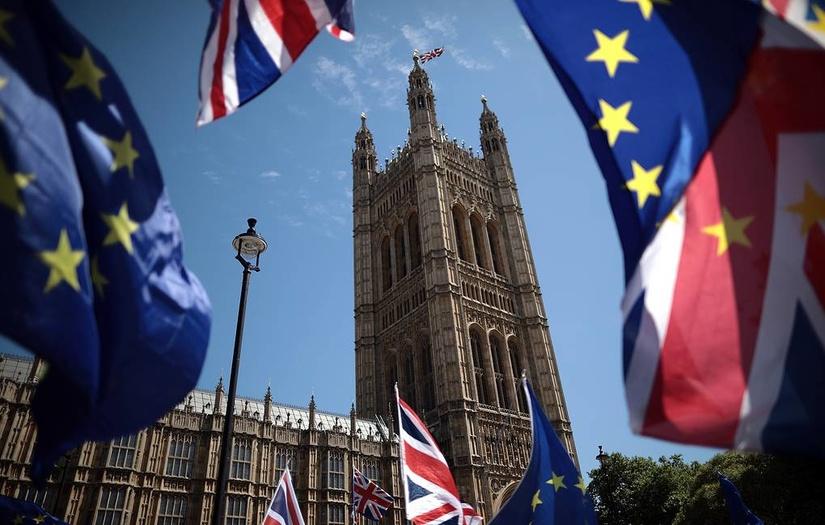 Европа Иттифоқи ва Буюк Британия Brexit бўйича келишувга эришди