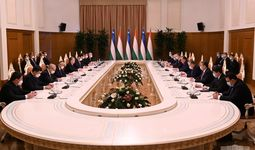 Президенты Узбекистана и Таджикистана подписали 35 документов