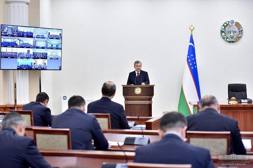 В Узбекистане начнут поэтапно смягчать карантин по коронавирусу