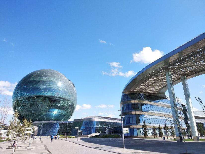 Впервые журналисты из Узбекистана посетили Международный Финансовый Центр «Астана»