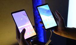 Мировые поставки смартфонов показали крупнейшее в истории падение