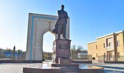 Президент принял участие в открытии памятника Абдулле Кадыри