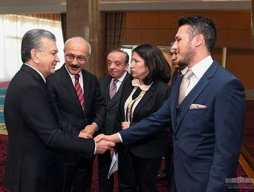Ўзбекистон Президенти туркиялик ишбилармонлар билан аниқ лойиҳаларни муҳокама қилди