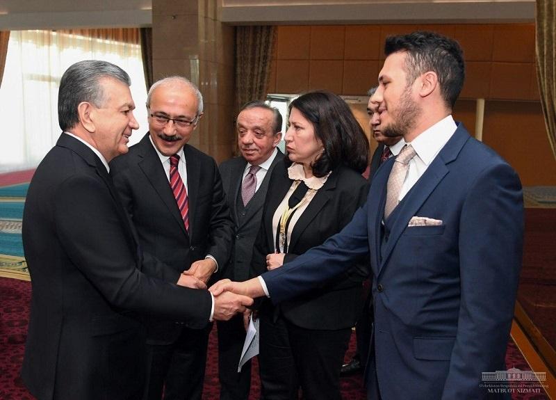 O'zbekiston Prezidenti turkiyalik ishbilarmonlar bilan aniq loyihalarni muhokama qildi