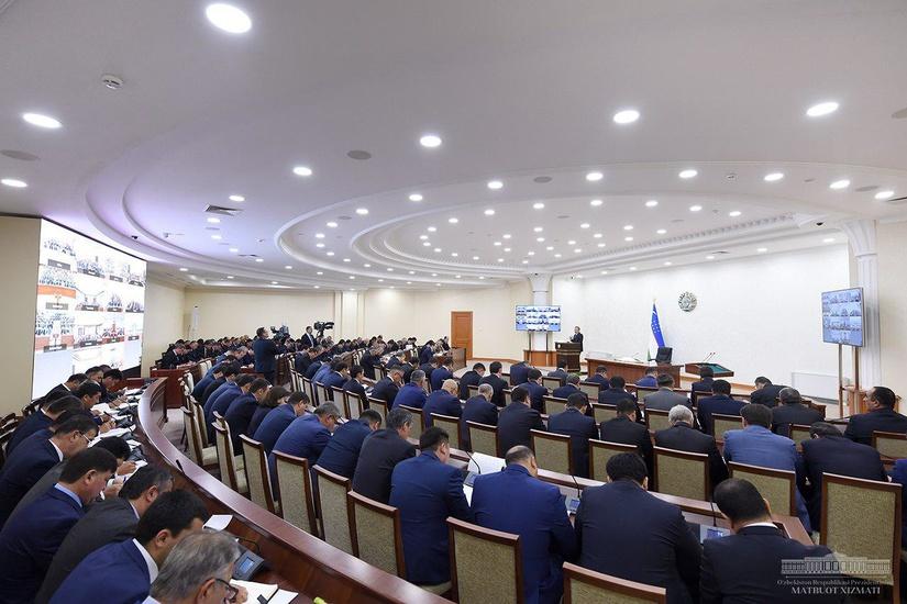 Шавкат Мирзиёев поручил Министерству финансов внести предложения по снижению ставки НДС