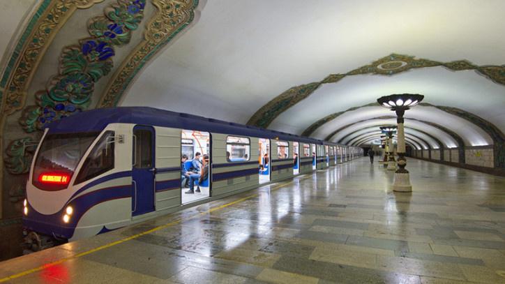 На десяти станциях Ташкентского метро появилась возможность бесконтактной оплаты проезда