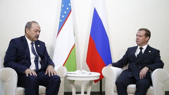 Абдулла Арипов провел встречу с премьером РФ на полях Каспийского экономического форума