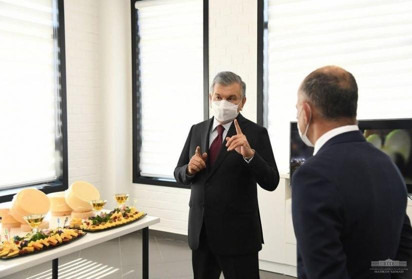 Prezident Shveysariya bilan hamkorlikda ochilgan yangi korxonani borib ko'rdi (foto)