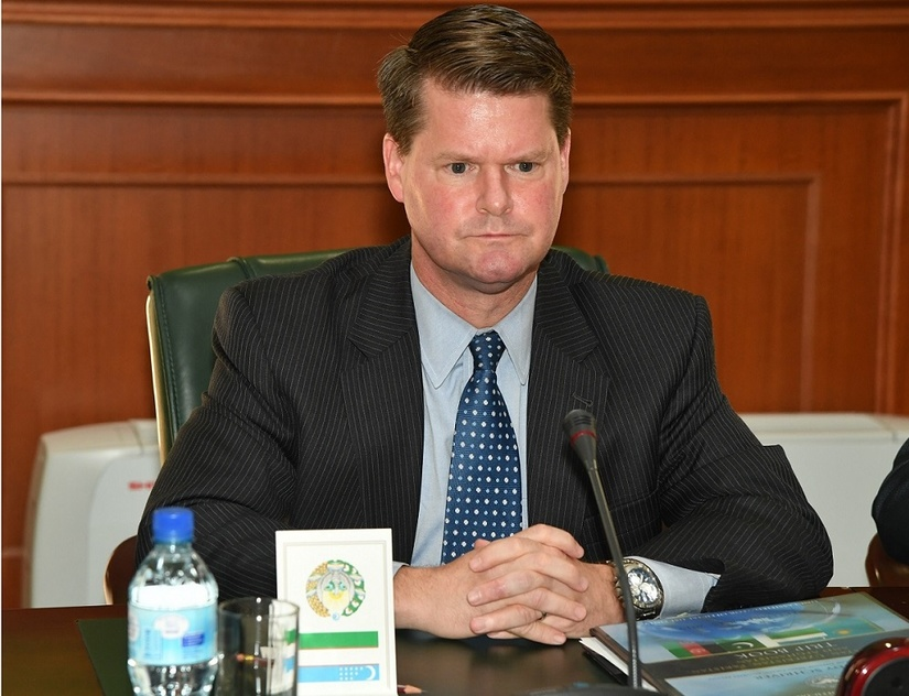 Глава МИД Узбекистана обсудил с представителем Минобороны США мирные переговоры по Афганистану