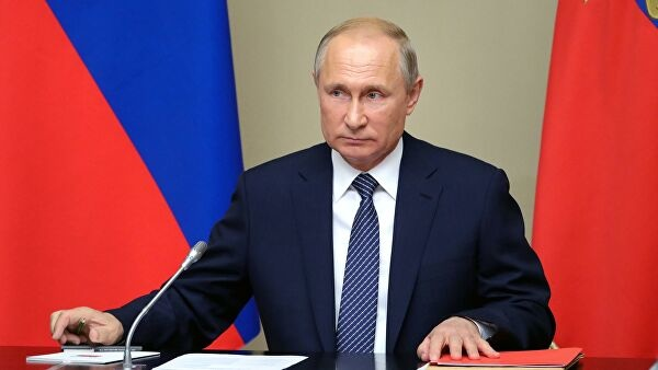 Владимир Путин упростил получение гражданства России для мигрантов