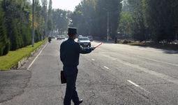 Назорат инспектори автотранспорт ҳайдовчисидан нималарни талаб қилиш ваколатига эга?