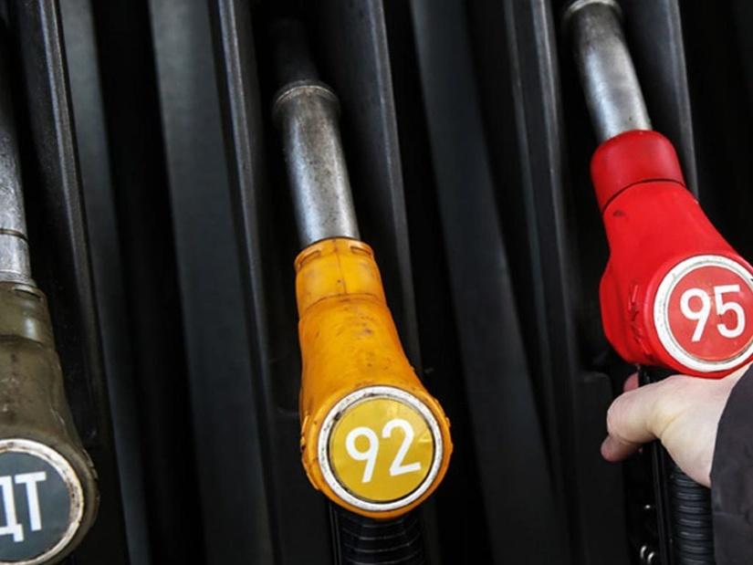 """""""O'zbekneftgaz"""" AJ: 10 noyabrdan boshlab """"UNG"""" yoqilg'i quyish shoxobchalari tarmog'i orqali sotilayotgan benzin narxi arzonlashdi"""