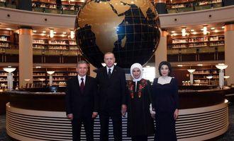 Шавкат Мирзиёев ва Зироат Мирзиёева Туркия Президенти ҳузуридаги Халқ кутубхонаси билан танишди (фото)