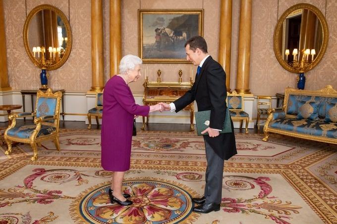Посол Узбекистана в Великобритании Саид Рустамов вручил верительные грамоты Елизавете II