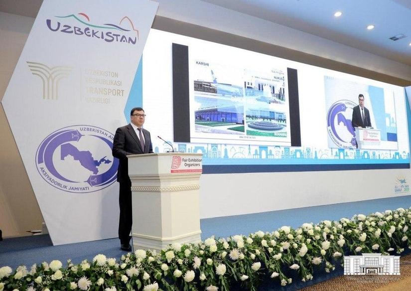 Узбекистану «катастрофически не хватает» авиарейсов для обслуживания турпотока