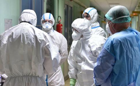 Koronavirus infeksiyasiga chalingan bemor o'tkir nafas, o'pka va yurak yetishmoqchiligidan vafot etdi