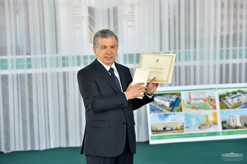 Шавкат Мирзиёев: Сув тошқинидан зарар кўрган хонадон эгаларининг ҳар бирига 40 миллион сўмлик моддий ёрдам кўрсатилади