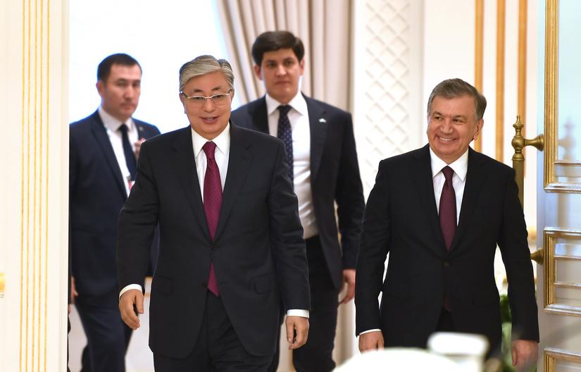 Узбекистан и Казахстан создадут крупный торговый хаб