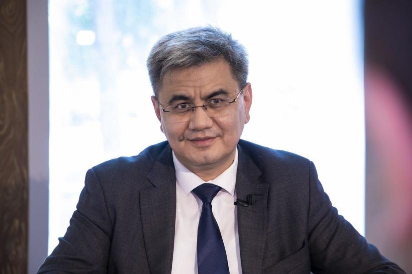 Obid Hakimov: Pandemiyani yengib o'tish trayektoriyasi